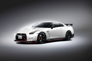 2015-nissan-gt-r-nismo-front-three-quarters