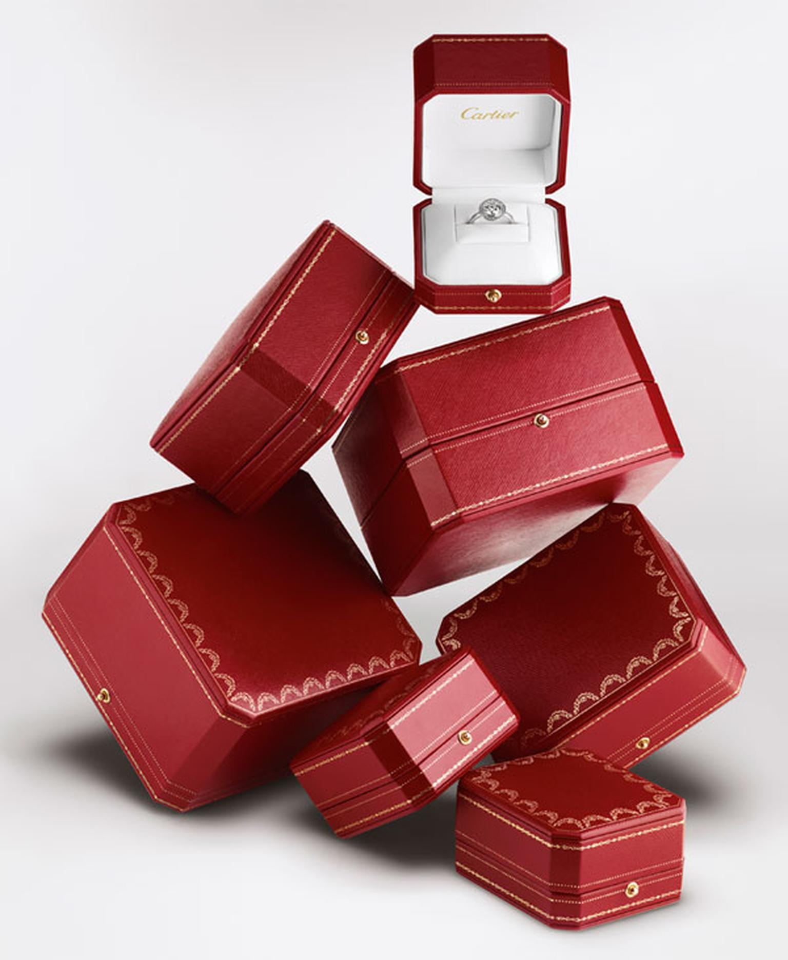 cartier-boxes-and-cartier-d_amour-solitaire.jpg__1536x0_q75_crop-scale_subsampling-2_upscale-false